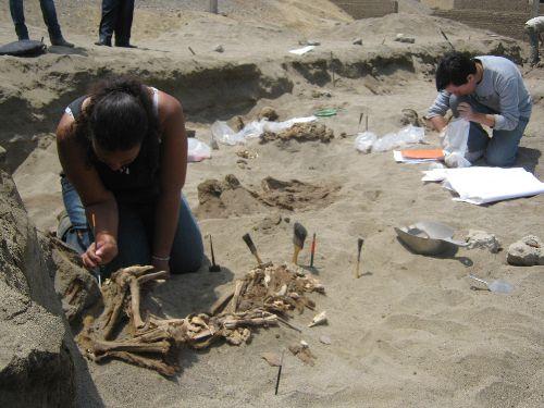 Antiguos peruanos habrían realizado sacrificios humanos similares a los aztecas y mayas