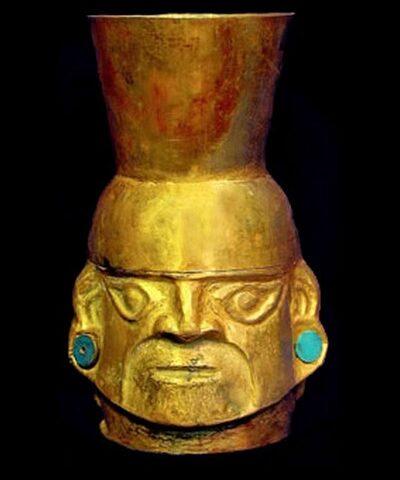 Cántaro Escultórico de Oro y Crisocola