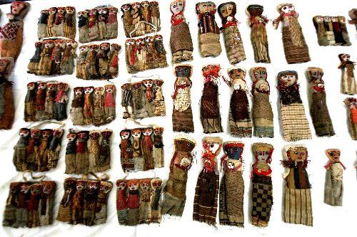 Incautan más de 110 objetos prehispánicos de tiendas de ferias artesanales en Cusco