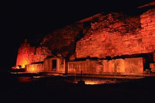 Chavín de Huantar, iluminado