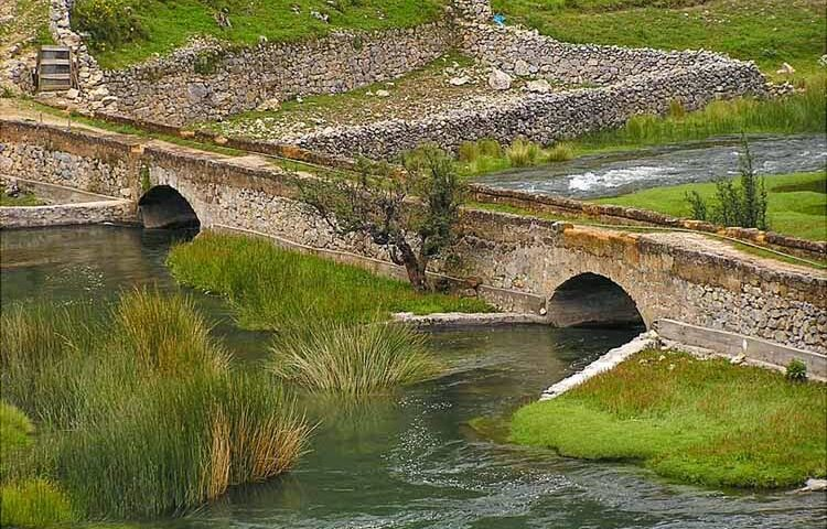 Huancaya: belleza natural y sus mini cascadas