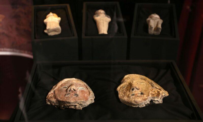 Figuras de barro halladas revelan importancia de rol de mujer en cultura de Caral