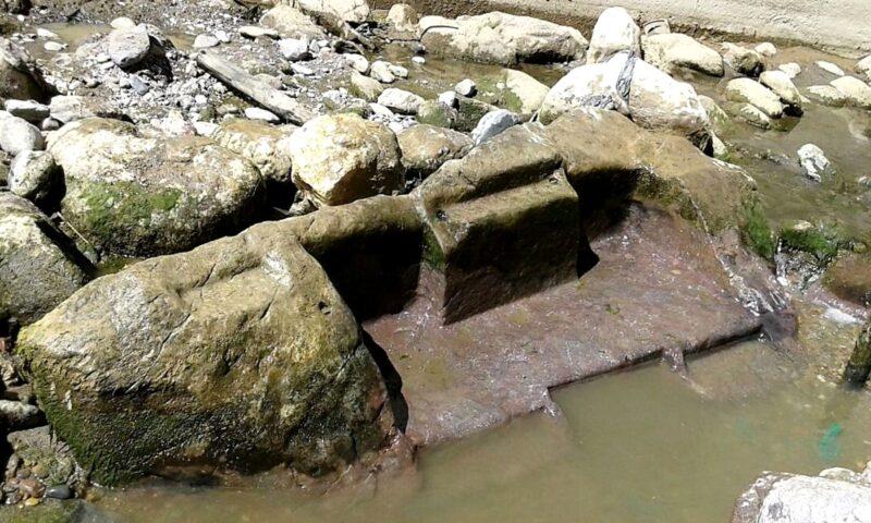 Hallan parte de altar inca en ribera del río Vilcanota en Ollantaytambo