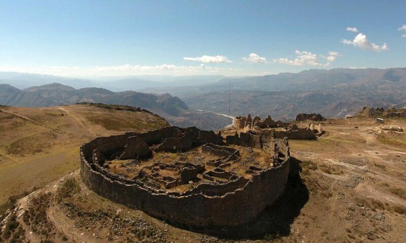 Los colosales monumentos de Marcahuamachuco