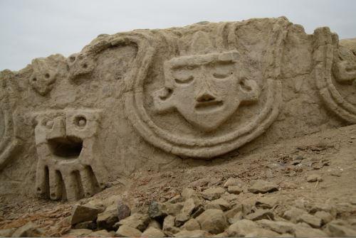 Vichama en Caral: nuevos frisos de 3,800 años de antigüedad