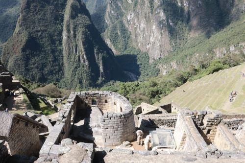 Los incas fueron los primeros peruanos en aplicar un proceso de gestión de riesgo de desastres y ello se ve reflejado en las edificaciones en zonas altas y en la construcción de andenes ante la inestabilidad de taludes.